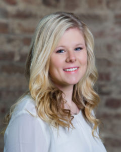 Kristina Calhoun, Court Reporter