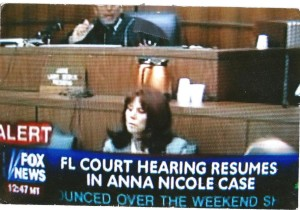 Diana providing court reporting at the Anna Nicole Smith case.